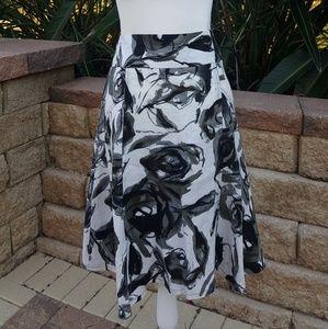 Grace Graphic Black Rose Pattern Linen Skirt